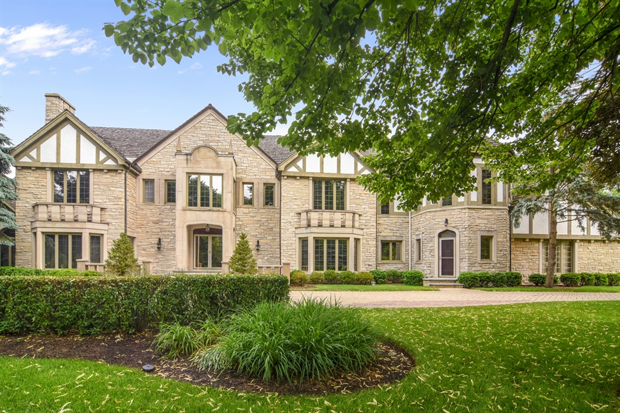 Real Estate Photography - 585 Windsor Road, Inverness, IL, 60067 - Front View