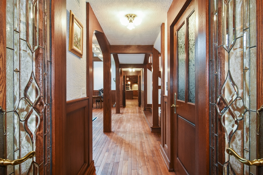 Real Estate Photography - 585 Windsor Road, Inverness, IL, 60067 - Hallway