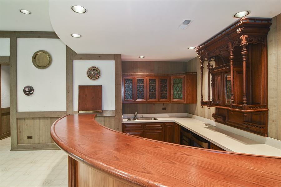 Real Estate Photography - 585 Windsor Road, Inverness, IL, 60067 - Bar