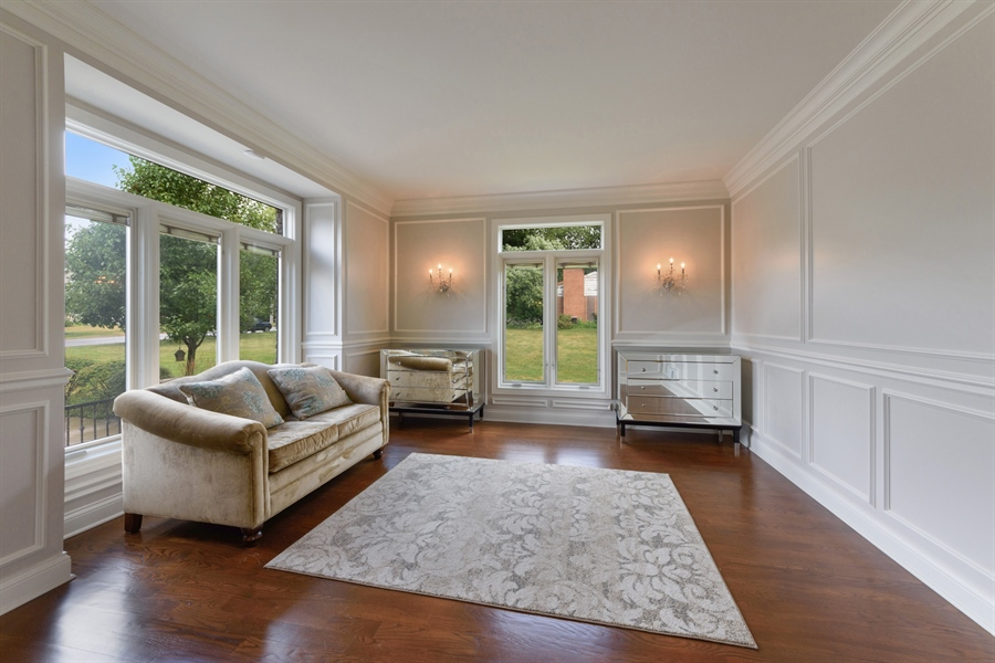 Real Estate Photography - 1531 S. Douglas Avenue, Arlington Heights, IL, 60005 - Living Room