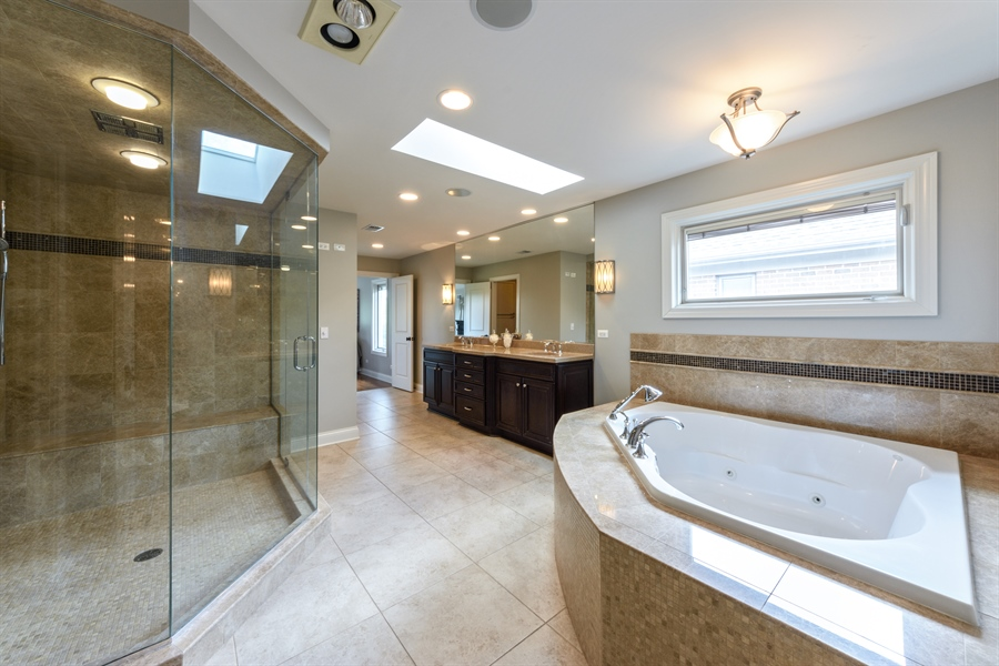 Real Estate Photography - 1531 S. Douglas Avenue, Arlington Heights, IL, 60005 - Master Bathroom