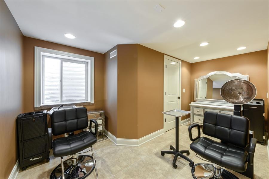 Real Estate Photography - 1531 S. Douglas Avenue, Arlington Heights, IL, 60005 - Studio