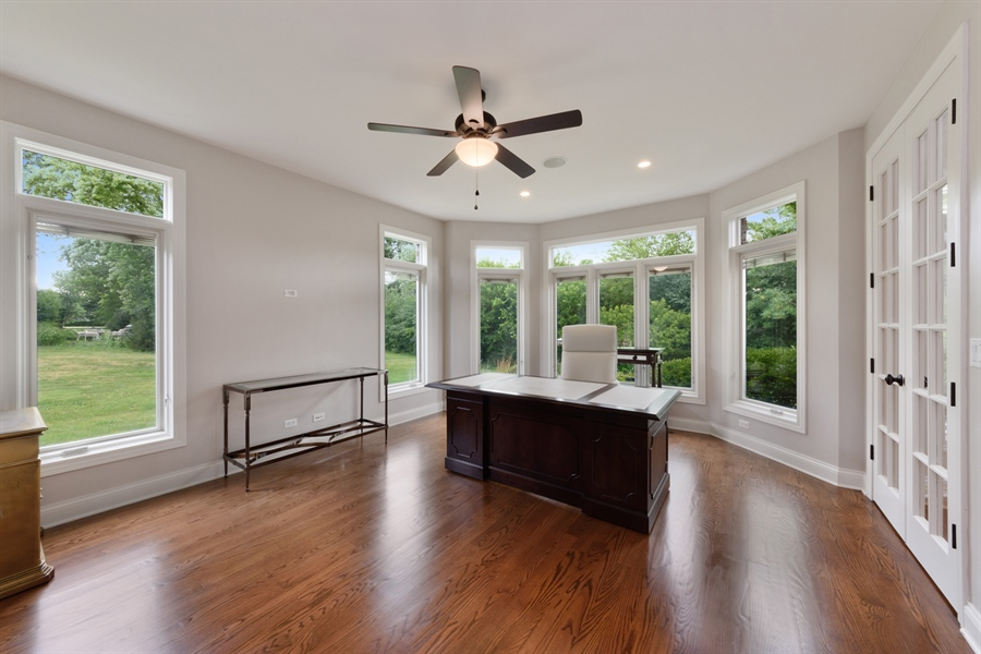 Real Estate Photography - 1531 S. Douglas Avenue, Arlington Heights, IL, 60005 - 1st floor bathroom/office