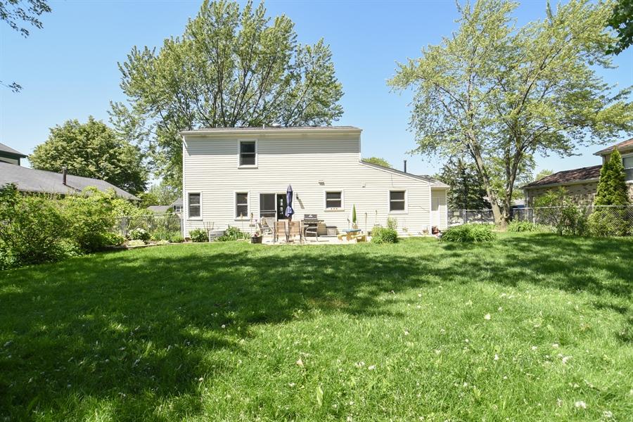 Real Estate Photography - 2021 Briar Hill Drive, Schaumburg, IL, 60194 - Back Yard