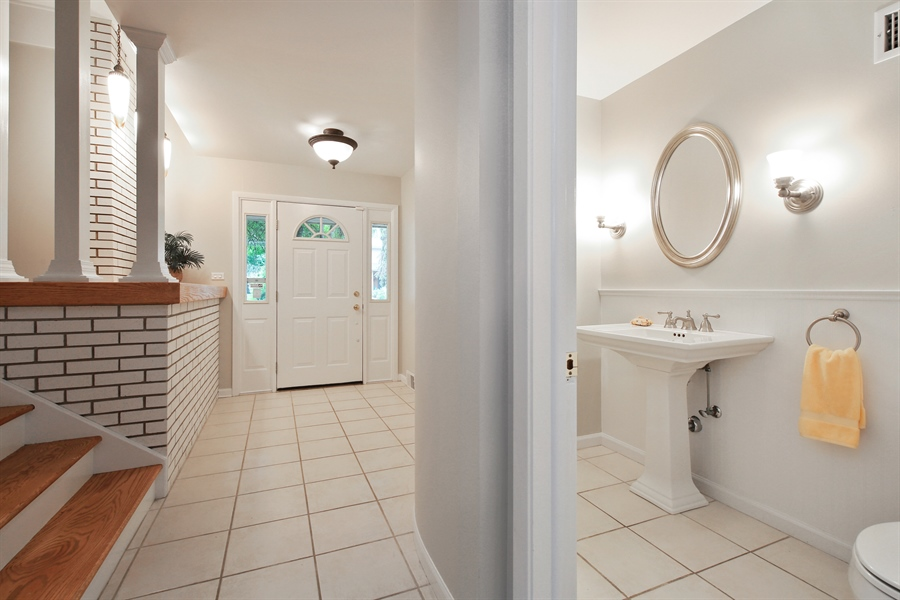 Real Estate Photography - 1248 Sandpiper Lane, Naperville, IL, 60540 - Guest Bath