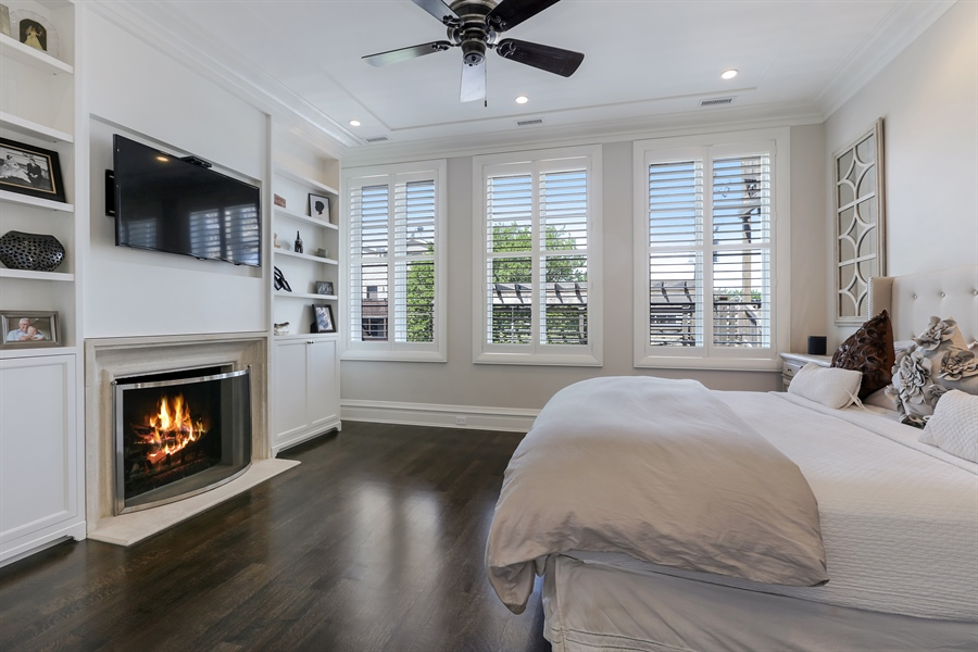 Real Estate Photography - 1720 N. MOHAWK Street, Chicago, IL, 60614 - Master Bedroom