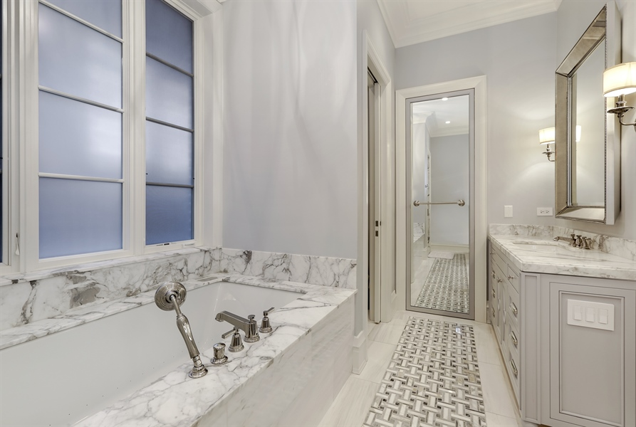 Real Estate Photography - 1720 N. MOHAWK Street, Chicago, IL, 60614 - Master Bathroom