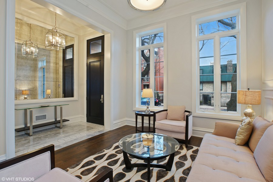 Real Estate Photography - 1720 N. MOHAWK Street, Chicago, IL, 60614 - Foyer/ Living Room