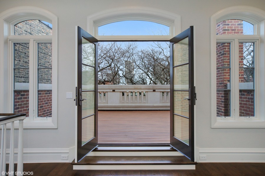 Real Estate Photography - 1720 N. MOHAWK Street, Chicago, IL, 60614 - Front 3rd Floor Deck