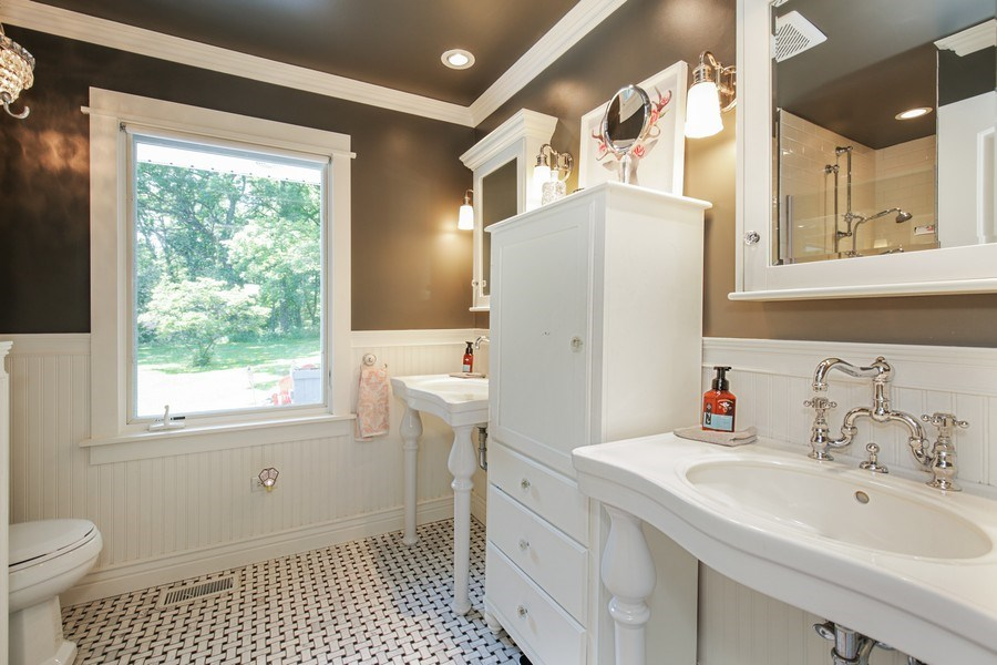 Real Estate Photography - 11N226 Peplow Road, Hampshire, IL, 60140 - Bathroom