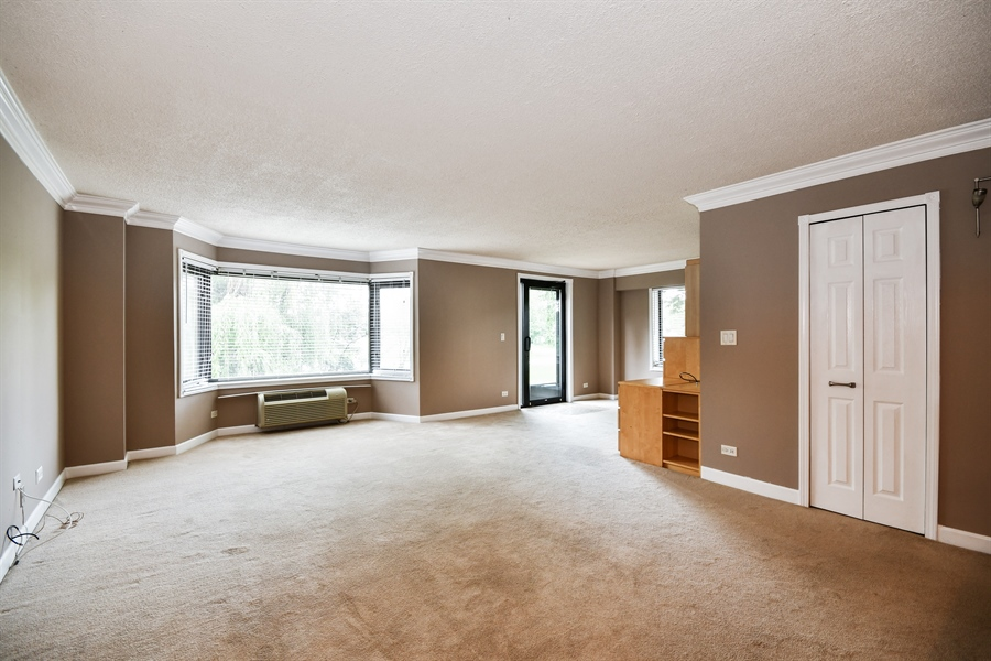 Real Estate Photography - 470 FAWELL Boulevard, Unit 119, Glen Ellyn, IL, 60137 - Living Room