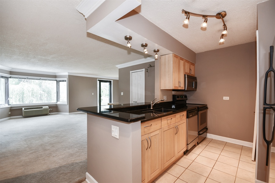 Real Estate Photography - 470 FAWELL Boulevard, Unit 119, Glen Ellyn, IL, 60137 - Kitchen