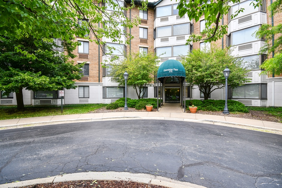 Real Estate Photography - 470 FAWELL Boulevard, Unit 119, Glen Ellyn, IL, 60137 - Front View