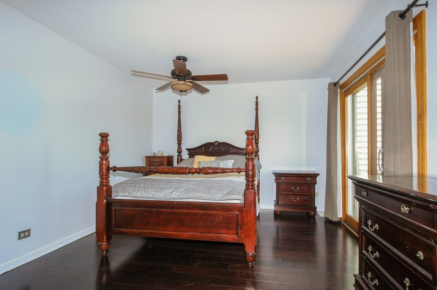 Real Estate Photography - 1612 Bay Court, Naperville, IL, 60565 - Master Bedroom