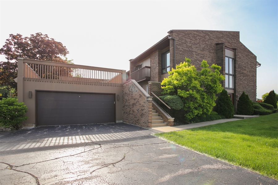 Real Estate Photography - 484 DOMINION Court, Wood Dale, IL, 60191 - Front View