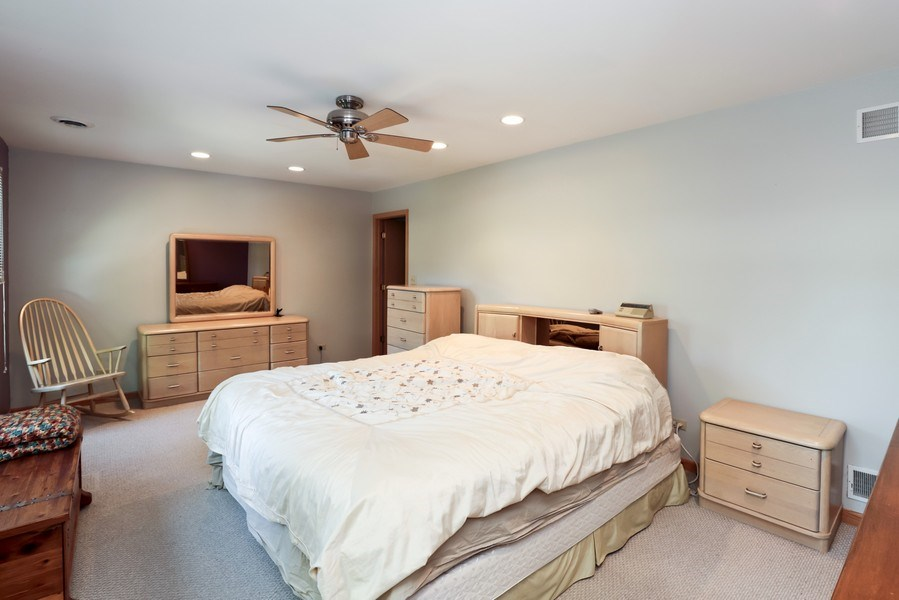 Real Estate Photography - 1899 Lexington Road, Green Oaks, IL, 60048 - Master Bedroom