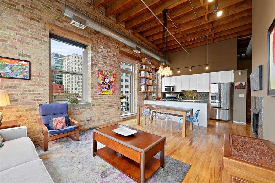 Real Estate Photography - 417 S. Jefferson Street, Unit 504B, Chicago, IL, 60607 - Living Room