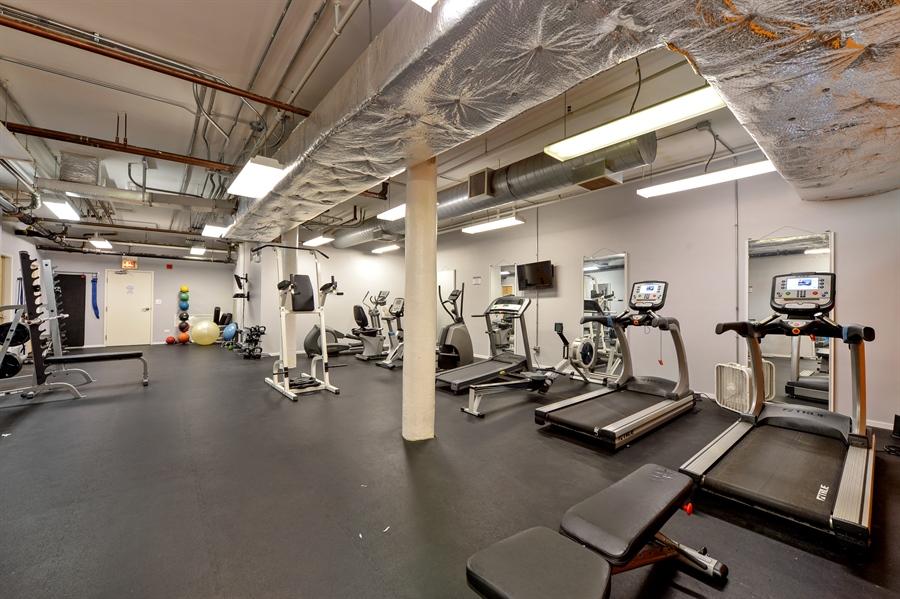 Real Estate Photography - 417 S. Jefferson Street, Unit 504B, Chicago, IL, 60607 - Gym