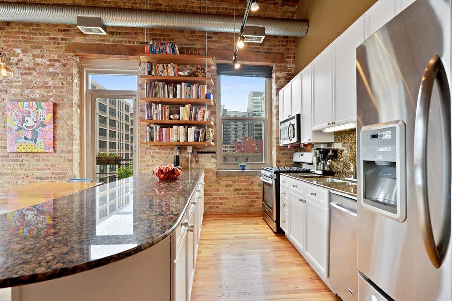 Real Estate Photography - 417 S. Jefferson Street, Unit 504B, Chicago, IL, 60607 - Kitchen