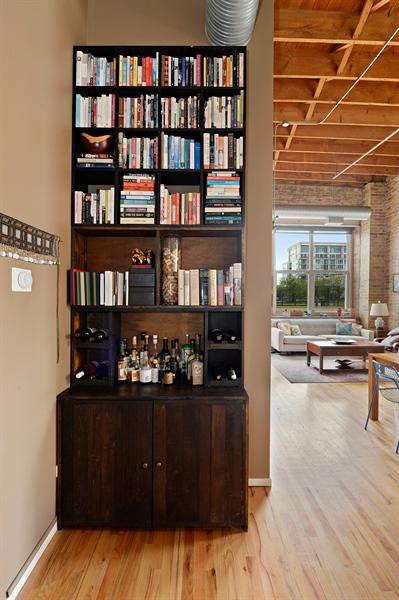 Real Estate Photography - 417 S. Jefferson Street, Unit 504B, Chicago, IL, 60607 - Hallway