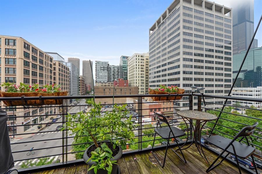 Real Estate Photography - 417 S. Jefferson Street, Unit 504B, Chicago, IL, 60607 - Balcony