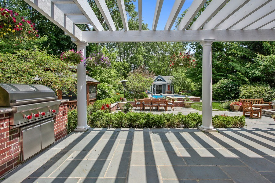 Real Estate Photography - 1507 Sunset Road, Highland Park, IL, 60035 - Terrace