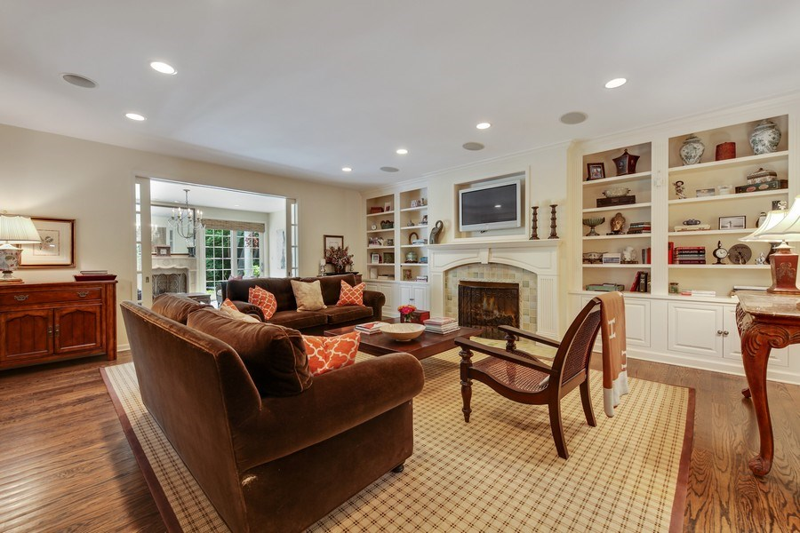 Real Estate Photography - 1507 Sunset Road, Highland Park, IL, 60035 - Family Room
