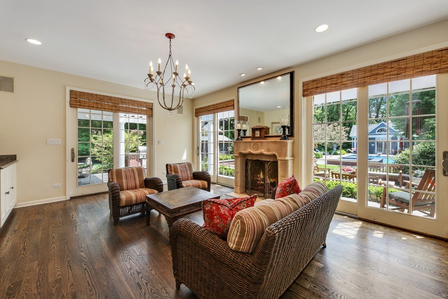 Real Estate Photography - 1507 Sunset Road, Highland Park, IL, 60035 - Sun Room