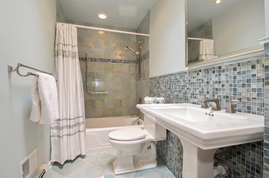 Real Estate Photography - 4500 W. Rosemont Avenue, Chicago, IL, 60646 - Bathroom