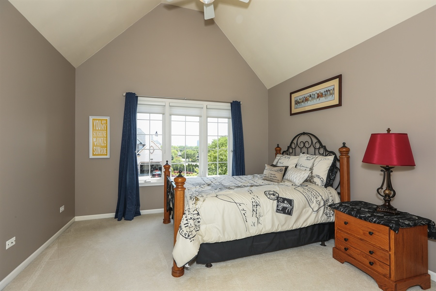 Real Estate Photography - 2S428 Chaucer Court, Glen Ellyn, IL, 60137 - 2nd Bedroom