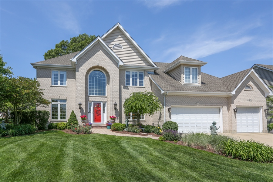 Real Estate Photography - 2S428 Chaucer Court, Glen Ellyn, IL, 60137 - Front View