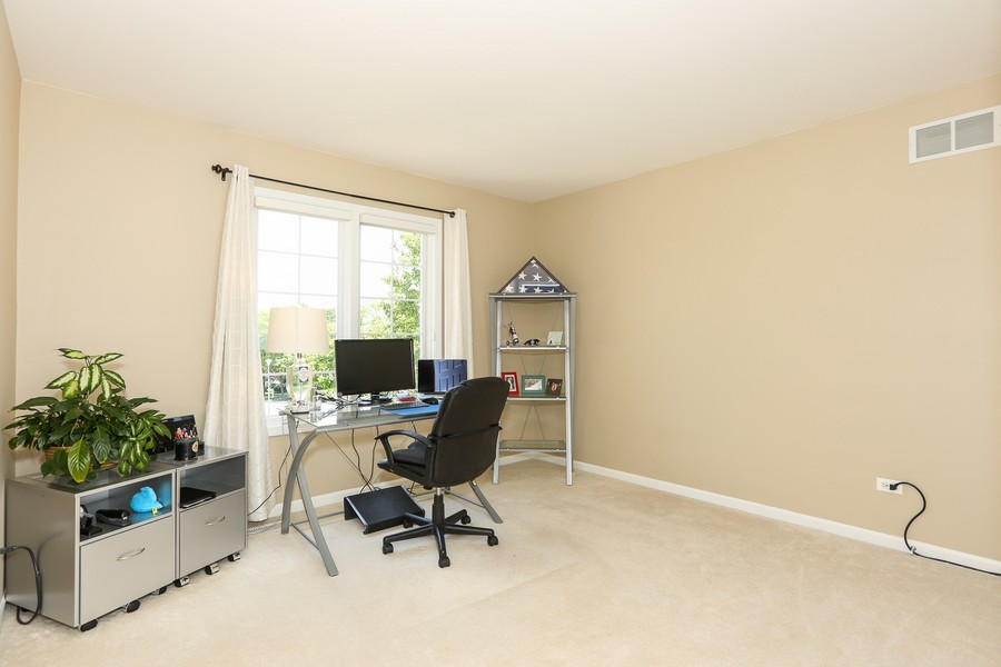 Real Estate Photography - 2S428 Chaucer Court, Glen Ellyn, IL, 60137 - 3rd Bedroom