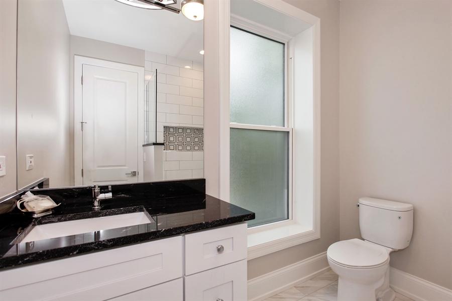 Real Estate Photography - 6423 S. Ingleside Avenue, Chicago, IL, 60637 - Bathroom