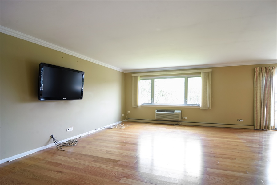 Real Estate Photography - 2630 E. Bel Aire Drive, Unit 303, Arlington Heights, IL, 60004 - Living Room