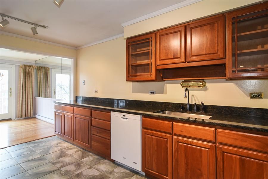 Real Estate Photography - 2630 E. Bel Aire Drive, Unit 303, Arlington Heights, IL, 60004 - Kitchen