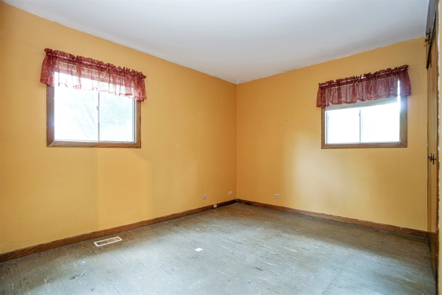 Real Estate Photography - 1811 E. Darryl Drive, Arlington Heights, IL, 60004 - 3rd Bedroom