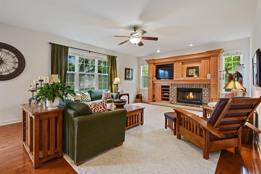 Real Estate Photography - 2500 Stonybrook Street, Wauconda, IL, 60084 - Family Room
