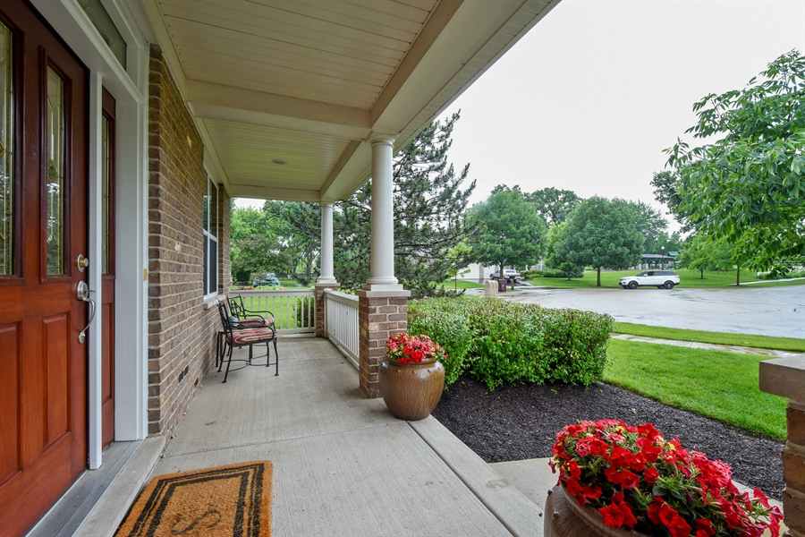 Real Estate Photography - 2500 Stonybrook Street, Wauconda, IL, 60084 - Porch