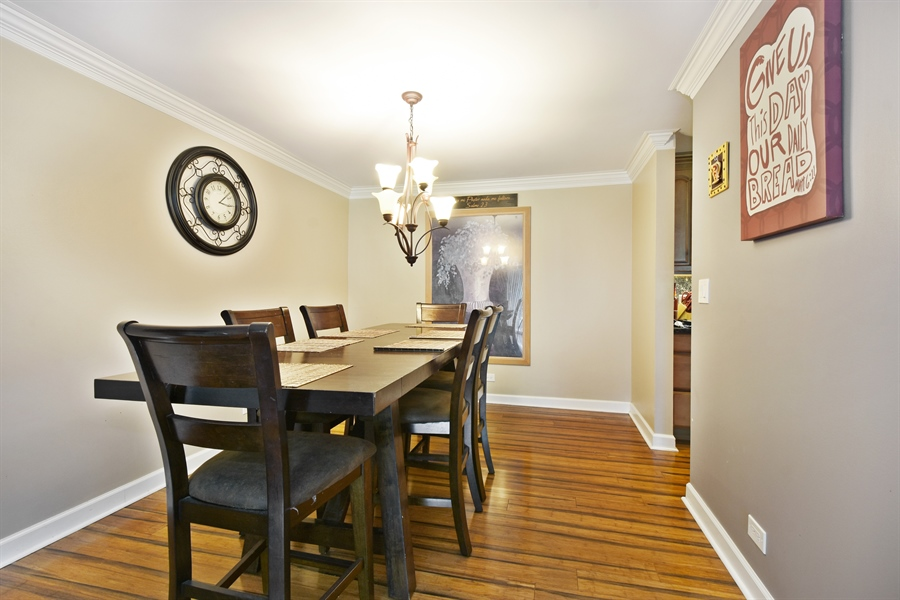 Real Estate Photography - 1605 E. CENTRAL Road, Unit 121C, Arlington Heights, IL, 60005 - Dining Room