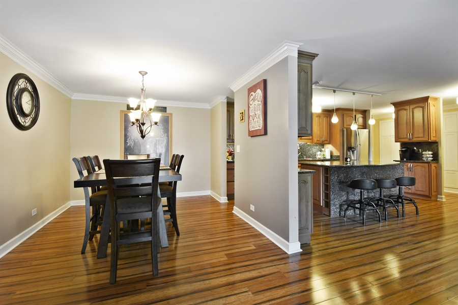 Real Estate Photography - 1605 E. CENTRAL Road, Unit 121C, Arlington Heights, IL, 60005 - Dining Area