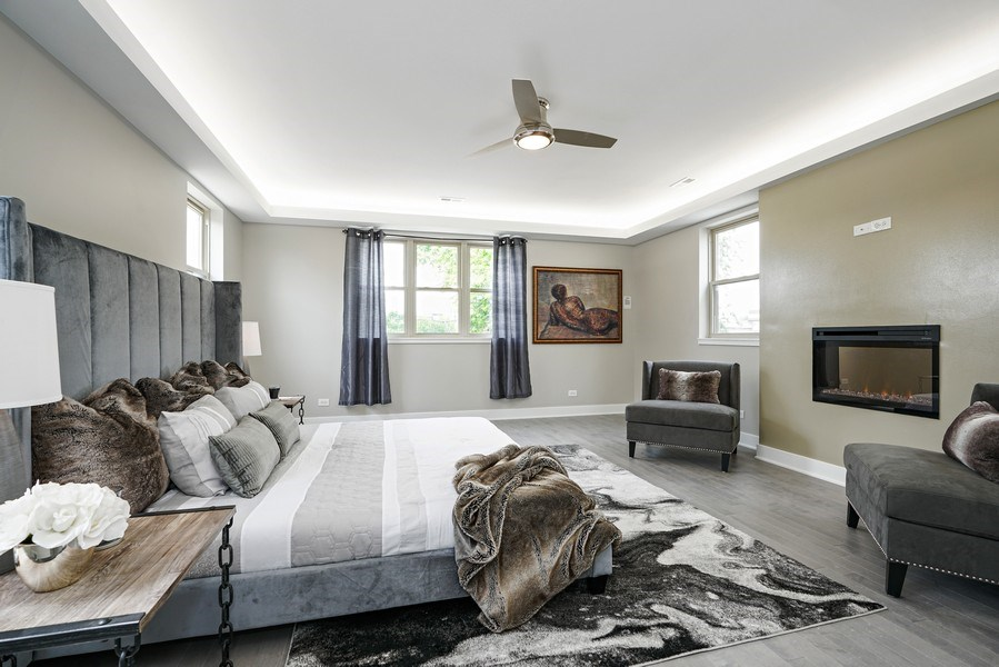 Real Estate Photography - 4144 S. Calumet Avenue, Chicago, IL, 60653 - Master Bedroom