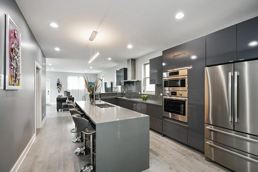 Real Estate Photography - 4144 S. Calumet Avenue, Chicago, IL, 60653 - Kitchen