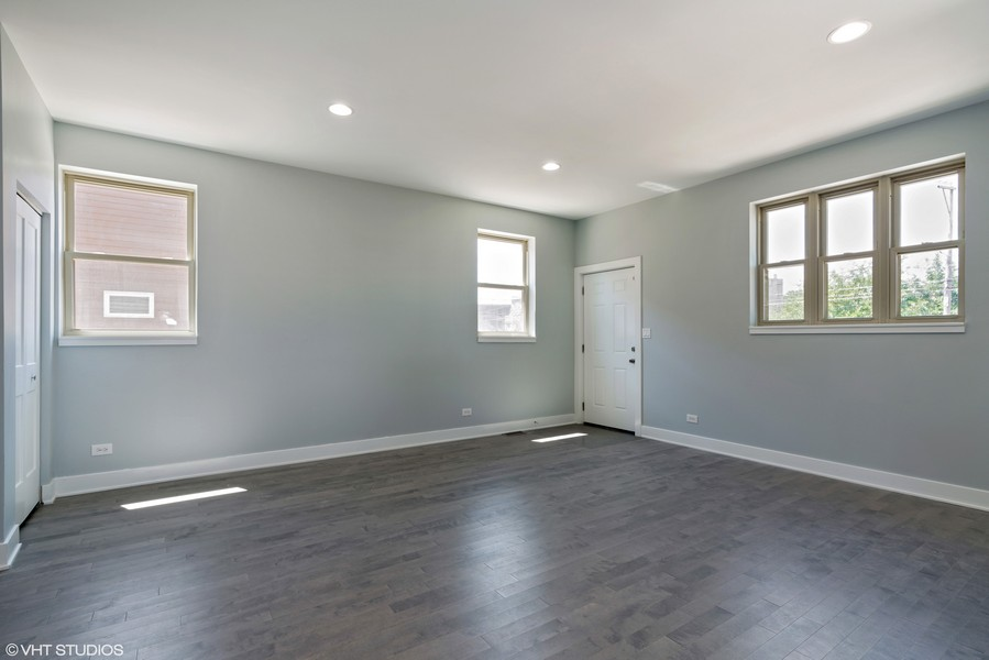 Real Estate Photography - 4144 S. Calumet Avenue, Chicago, IL, 60653 -