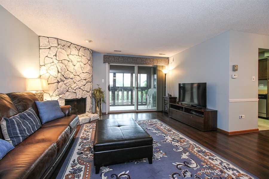 Real Estate Photography - 15726 Orlan Brook Drive, Unit 196, Orland Park, IL, 60462 - Living Room