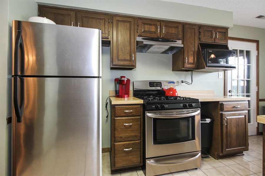 Real Estate Photography - 15726 Orlan Brook Drive, Unit 196, Orland Park, IL, 60462 - Kitchen