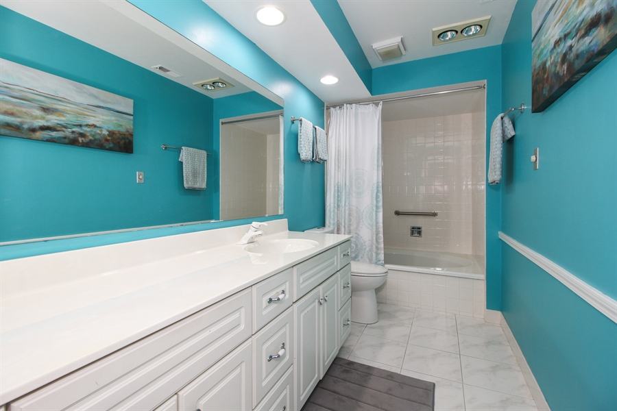 Real Estate Photography - 15726 Orlan Brook Drive, Unit 196, Orland Park, IL, 60462 - Bathroom