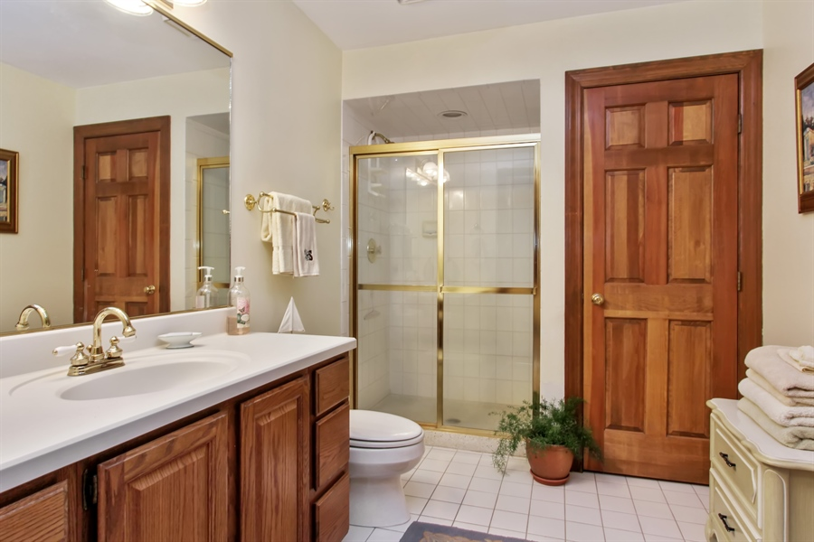 Real Estate Photography - 26073 W. Laurel Court, Wauconda, IL, 60084 - 4th Bathroom