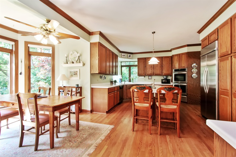 Real Estate Photography - 26073 W. Laurel Court, Wauconda, IL, 60084 - Kitchen