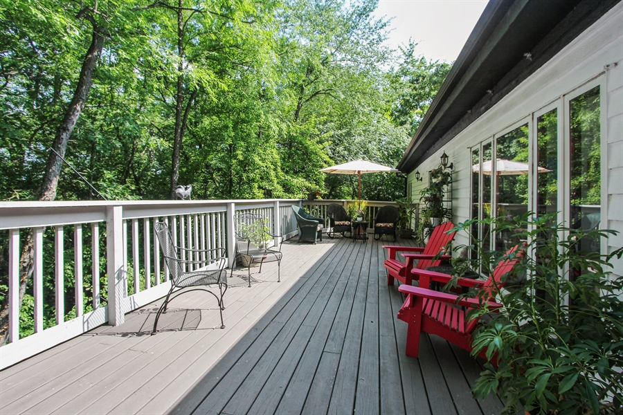 Real Estate Photography - 26073 W. Laurel Court, Wauconda, IL, 60084 - Deck