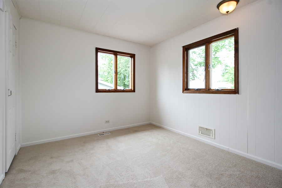 Real Estate Photography - 8536 Leamington Avenue, Burbank, IL, 60459 - 2nd Bedroom